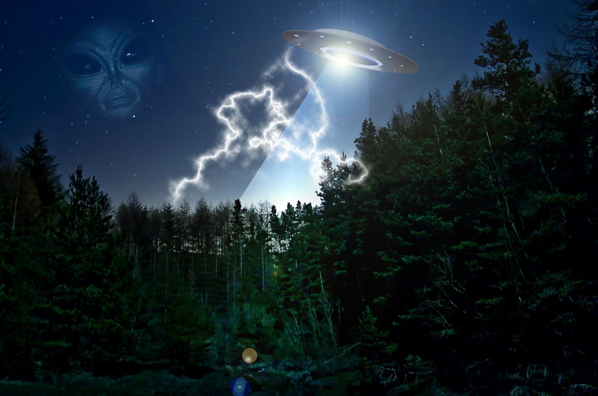 alien-609607_1920